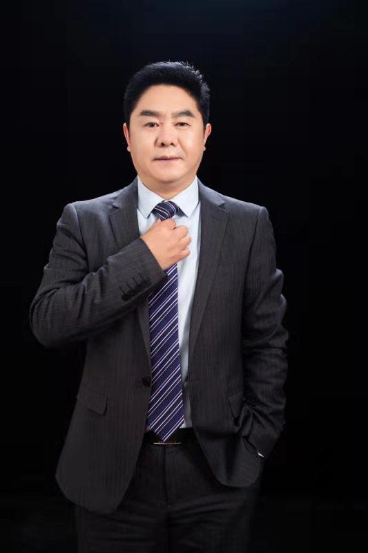 李昌星初中校长