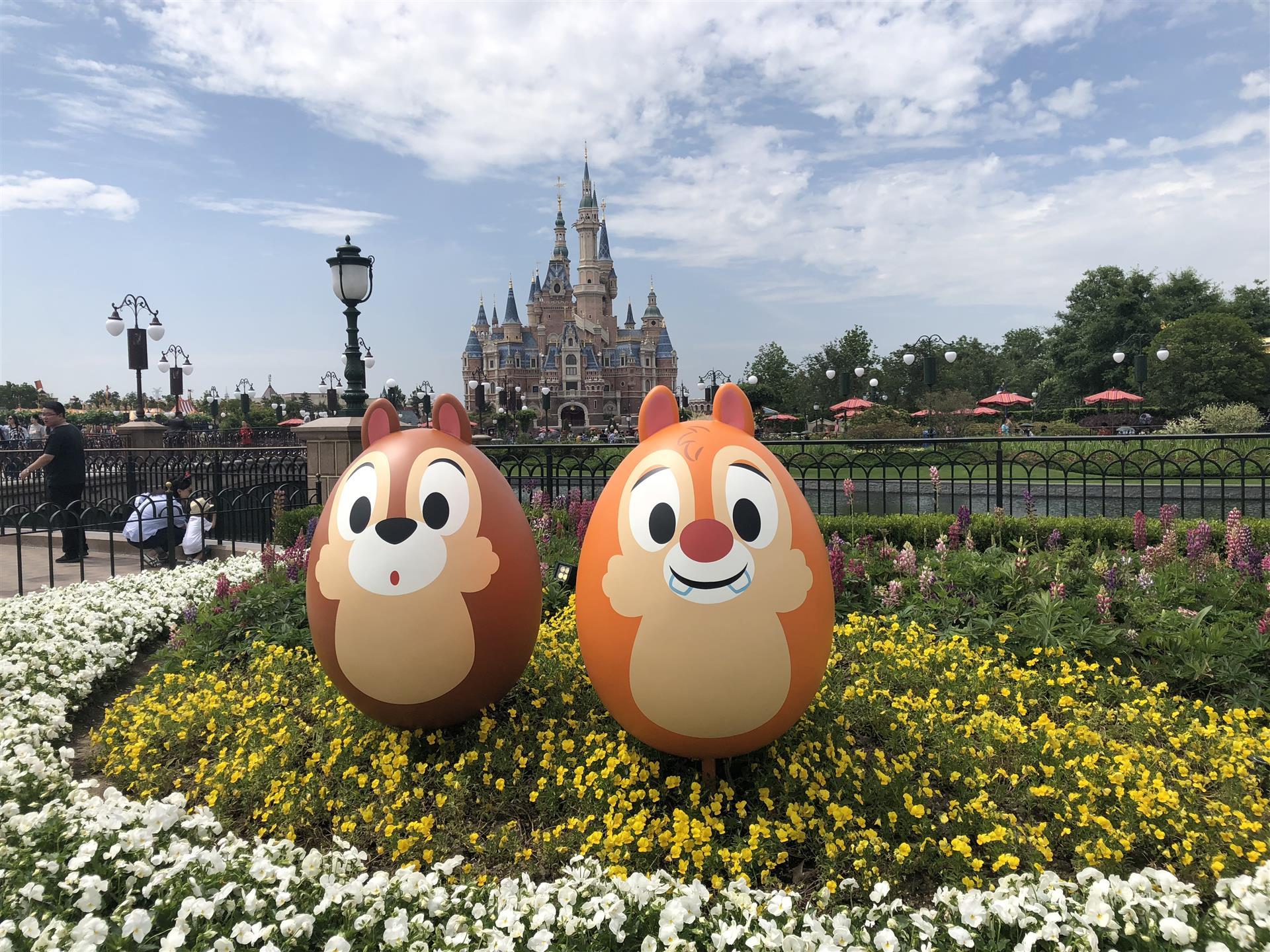 """人民网:助力上海迪士尼乐园重新开园,他们提前2个月""""复工""""打造梦幻舞台"""