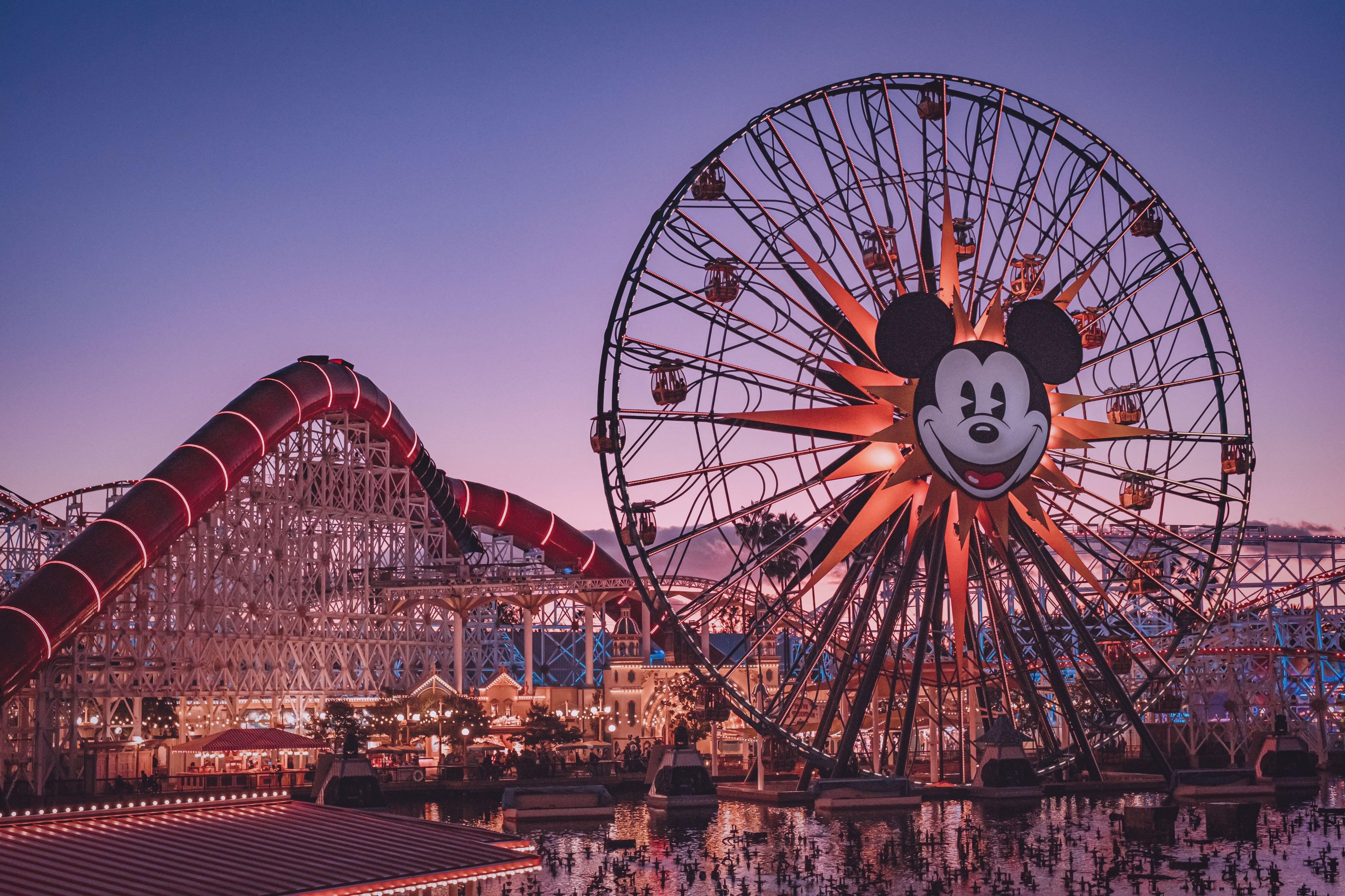 迪士尼乐园官方指定的中国设计和制作合作伙伴