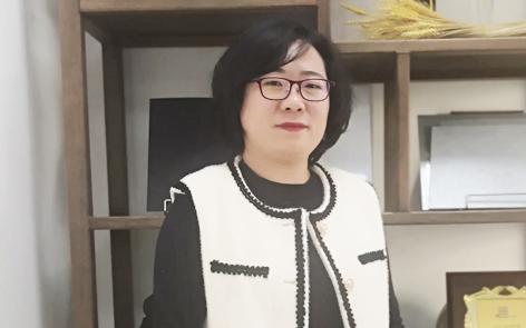 理事 浩吉轩 闫萌