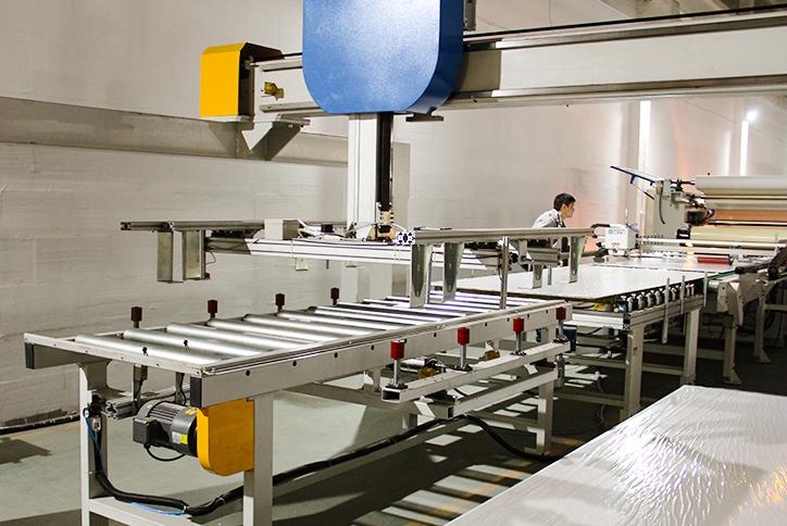 解决内容:1、产品包装速度快;2、自动化非人工包装避免人为毁坏。