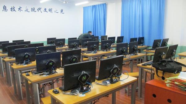 安徽黄山中小学校1