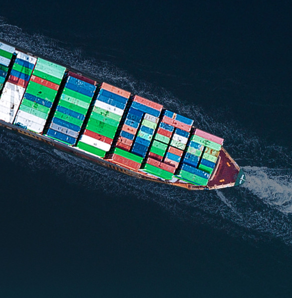 只要让我们了解阁下海运服务的需要,我们就保证提供最适当的服务。